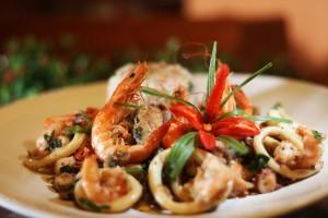 Foto: Website Tempero no Forte - Restaurante: Casa da Nati Prato: Catado das Marisqueiras com Arroz de Camarão Defumado com Castanha de Caju